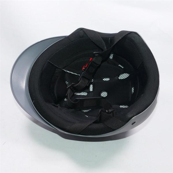 Mũ bảo hiểm đục nhiều lỗ bên trên thoáng khí thời trang