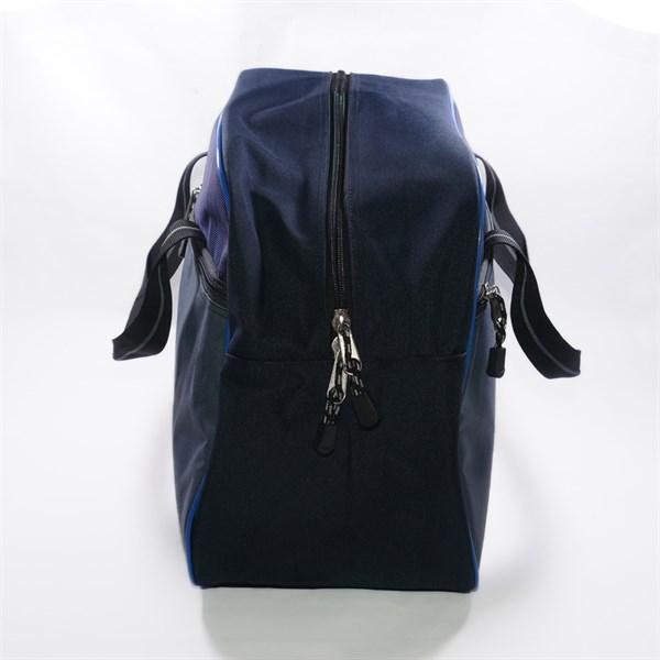 Túi xách du lịch Adidas tiện lợi, chứa được nhiều đồ